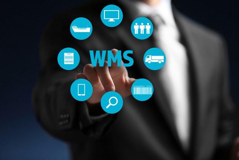 Qual é a diferença entre ERP e WMS, e como essas soluções podem funcionar juntas